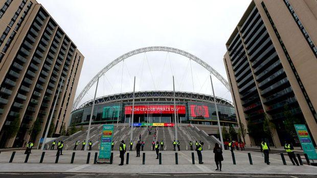 Pertandingan Inggris kontra Italia akan tersaji pada babak final Euro 2020. Laga tersebut akan berlangsung di Stadion Wembley, Inggris pada Minggu (11/7) waktu setempat atau Senin (12/7) dini hari WIB.