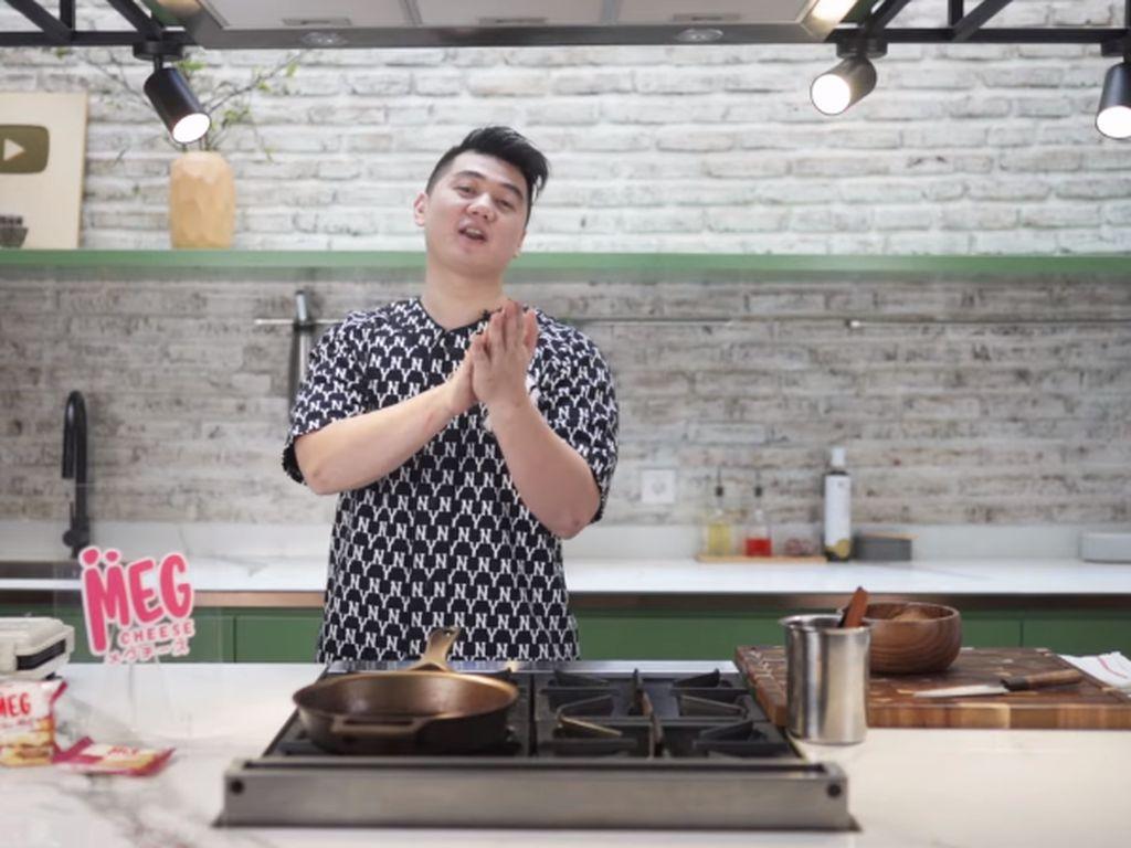 Chef Arnold Bikin Waffle Nasi Goreng ala Kai EXO, Netizen Heboh