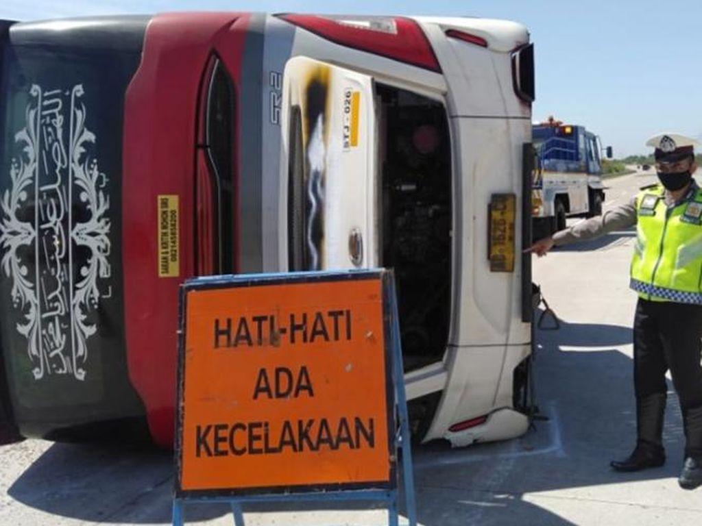 Ini Dia Identitas 7 Korban Tewas Kecelakaan Bus di Tol Pemalang