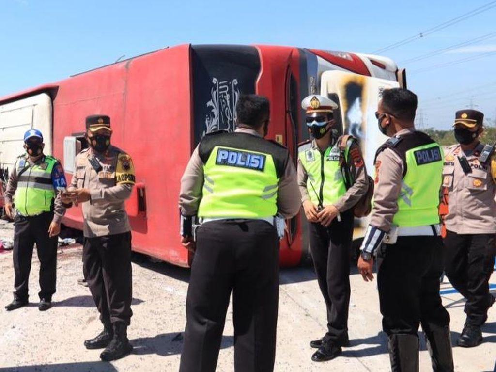 Kecelakaan Bus di Tol Pemalang, 7 Orang Tewas