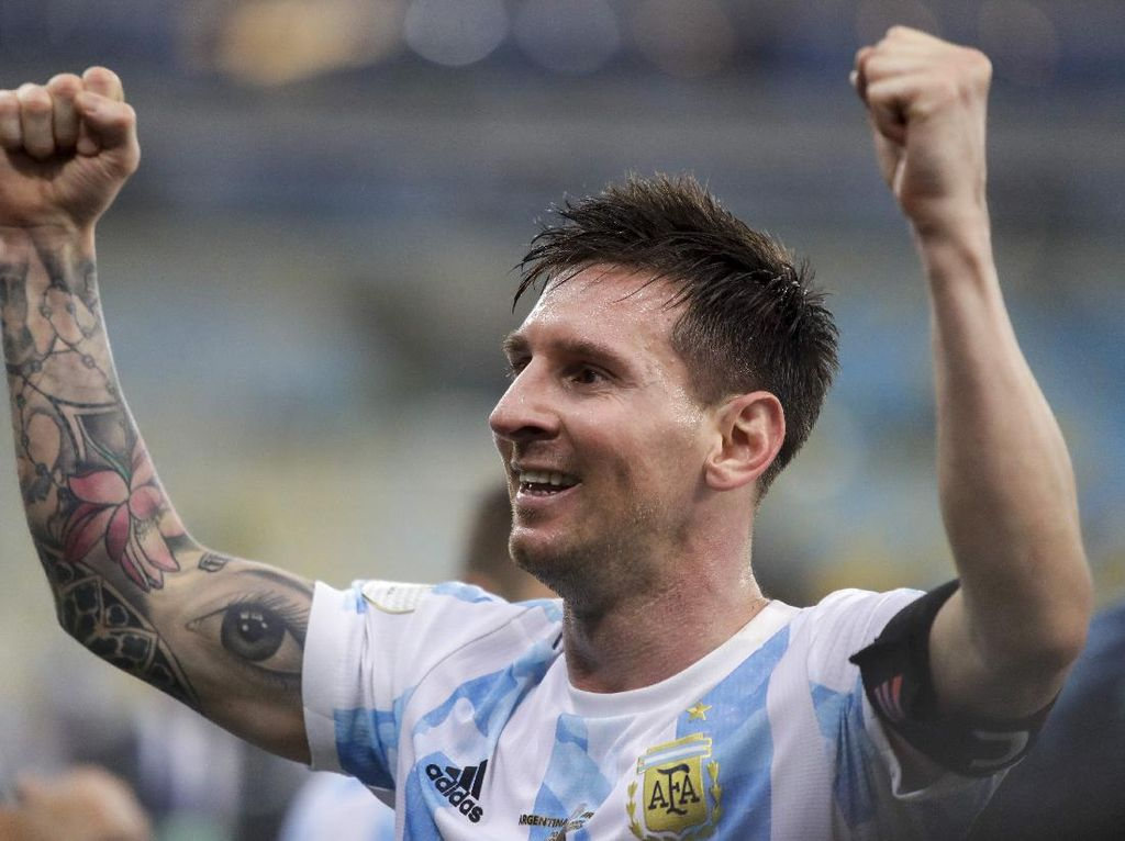 Salut! Messi Ucapkan Terima Kasih ke Fans Berusia 100 Tahun