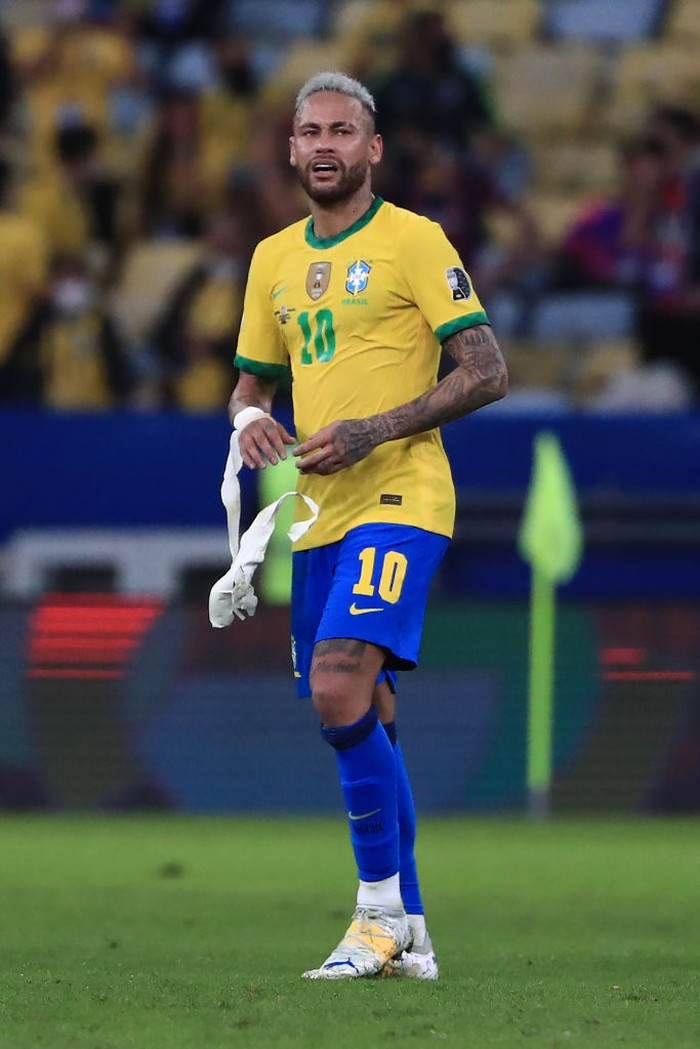 RIO DE JANEIRO, BRAZIL - JULY 10: Neymar Jr. of Brazil reacts after losing the final of Copa America Brazil 2021 between Brazil and Argentina at Maracana Stadium on July 10, 2021 in Rio de Janeiro, Brazil. (Photo by Buda Mendes/Getty Images)