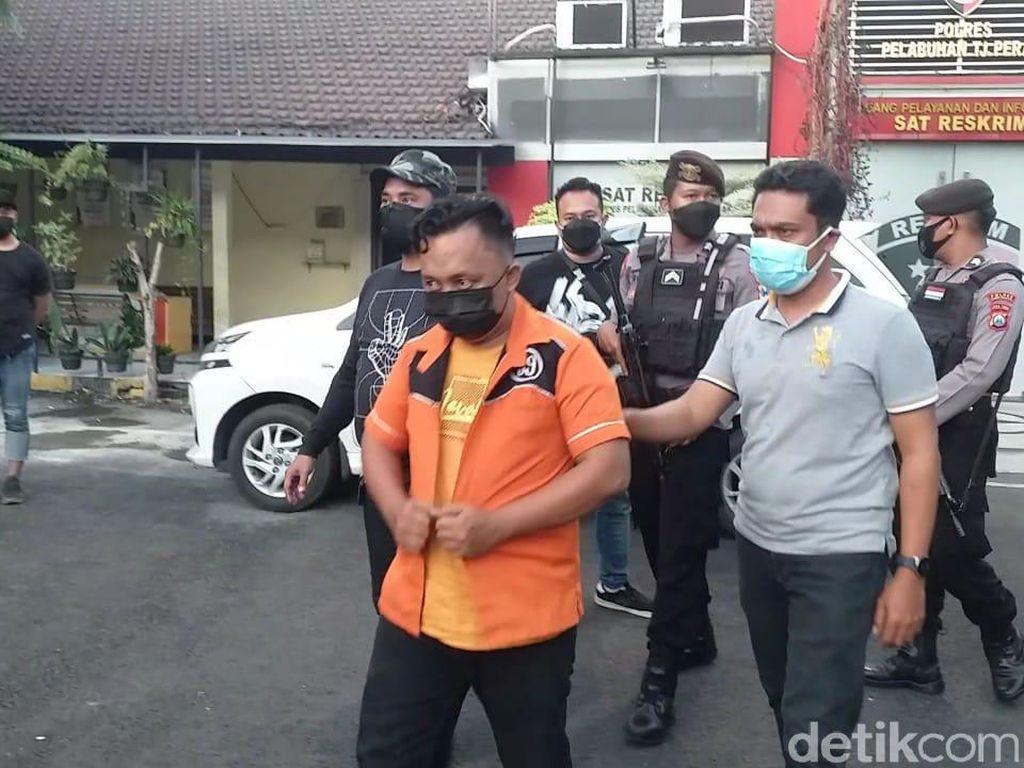 Operasi PPKM Darurat di Surabaya Ricuh, Perusak Mobil Polisi Kini Diburu