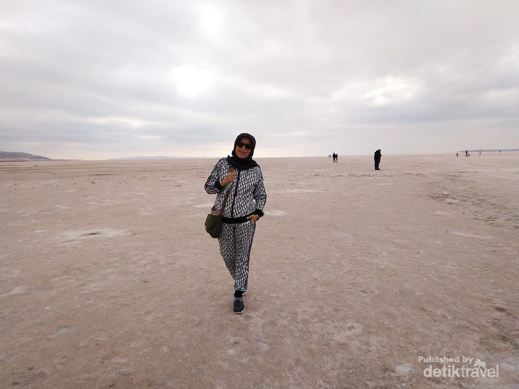 Pesona Tuz Golu, Danau Garam Terluas di Turki