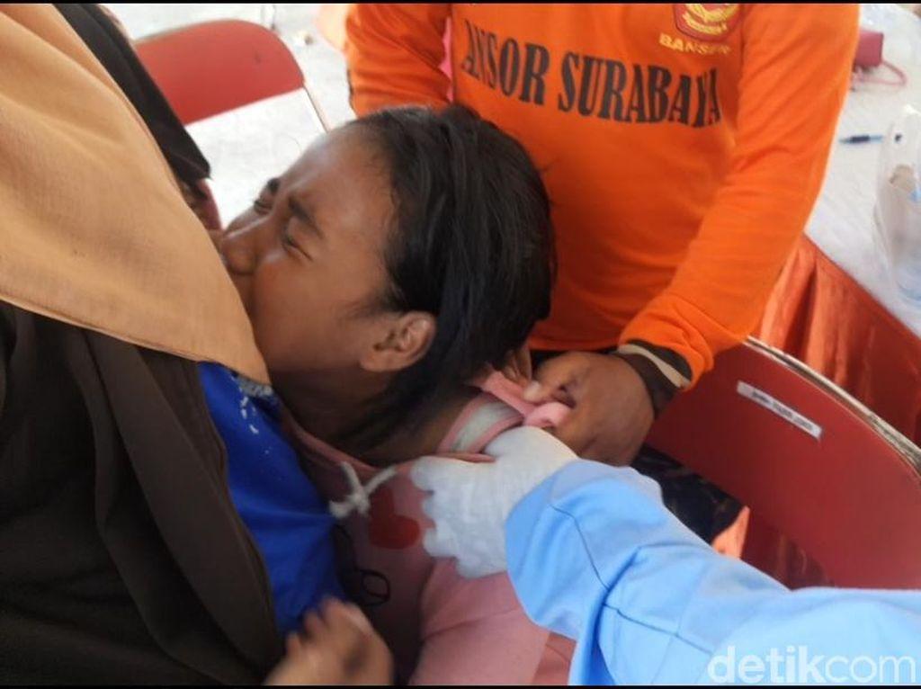Saat Siswa di Surabaya Takut dan Menangis Ketika Disuntik Vaksin
