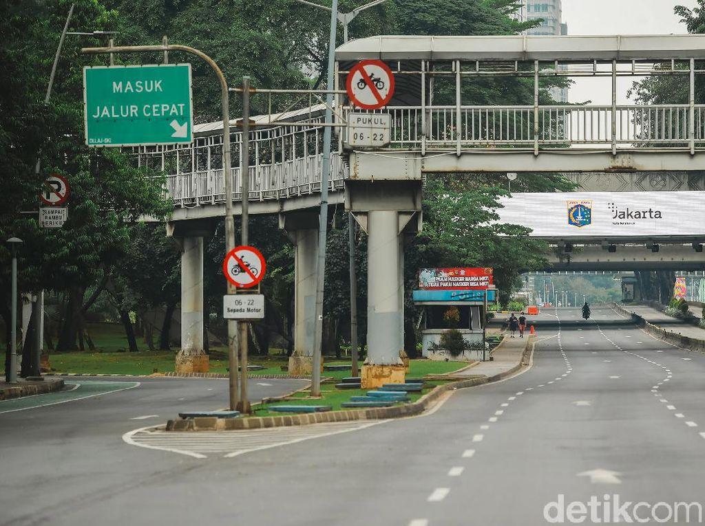PPKM Darurat Bikin Jalanan Sepi dan Lalu Lintas Jakarta Turun 60%