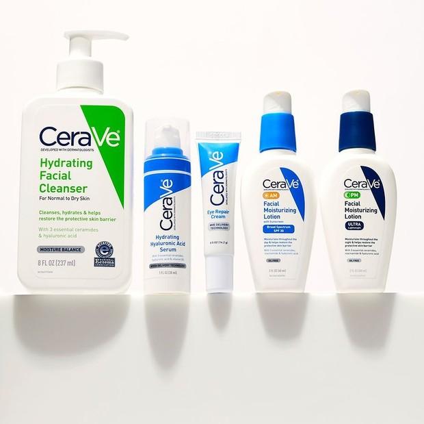 Posisi kedua skincare terbaik yang paling banyak dicari sedunia adalah CeraVe.