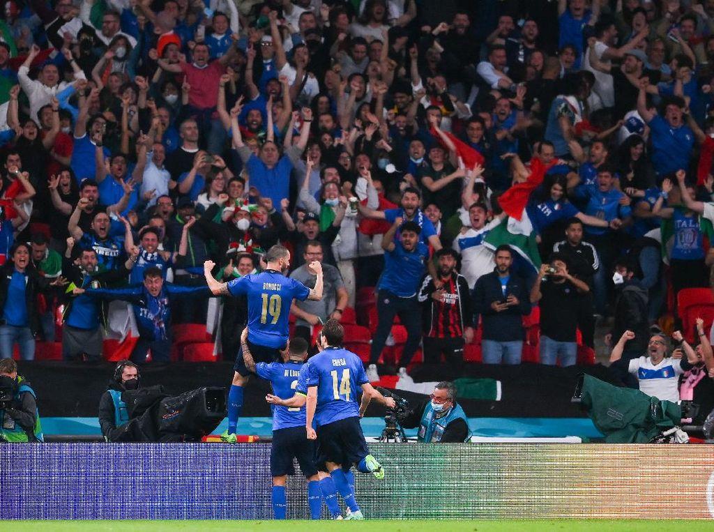 Anak Roberto Mancini Digusur Suporter Tanpa Tiket di Final Euro 2020