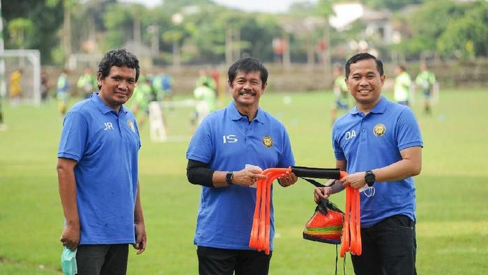 Indra Sjafri mendukung pembinaan pemain muda yang dilakukan oleh Mataram Utama FC.