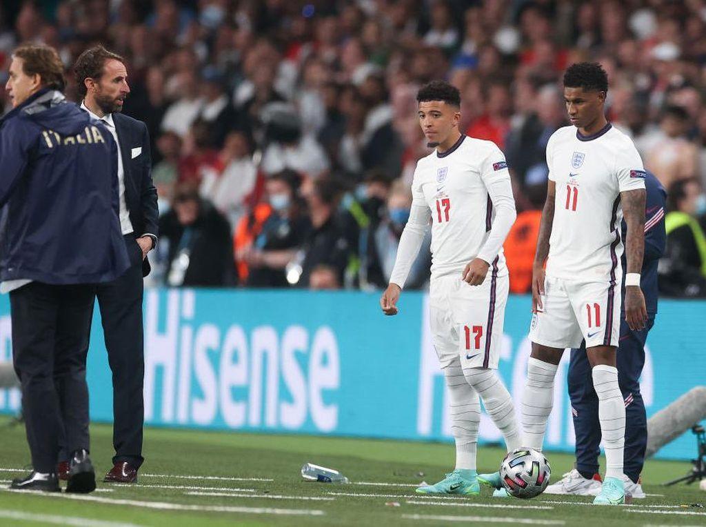 Duh, Tiga Pemain Inggris Jadi Korban Rasisme Usai Gagal Penalti
