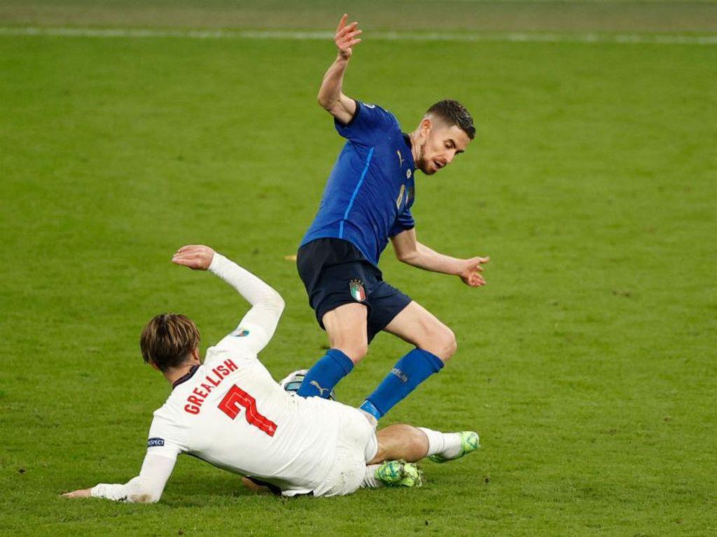 Jorginho Seharusnya Dapat Kartu Merah di Final Euro 2020?