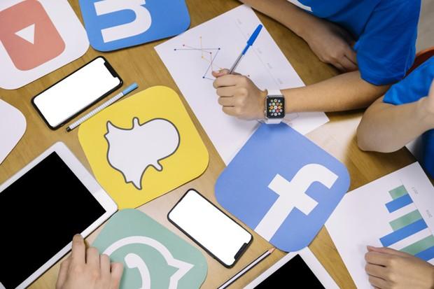 sosial media, instagram, finance
