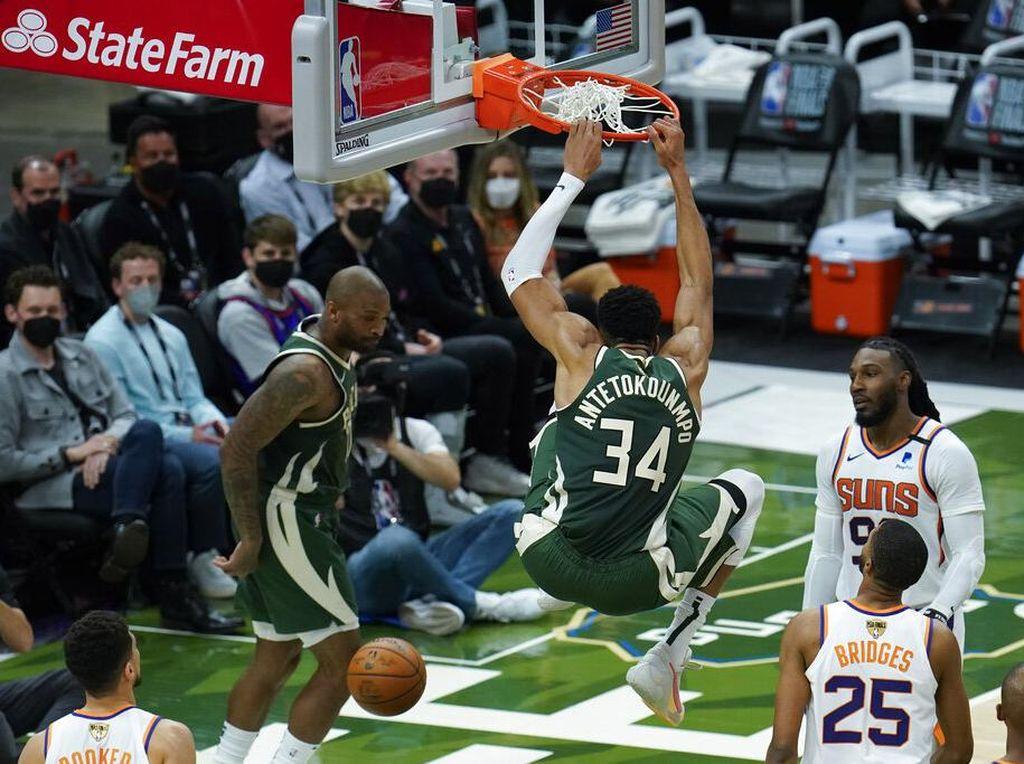 Final NBA 2021: Bucks Rebut Gim Ketiga Atas Suns