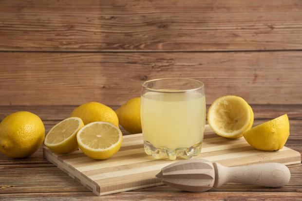 Bagi orang yang sedang program diet, minuman ini cukup dikenal ampuh untuk membantu meluruhkan lemak.