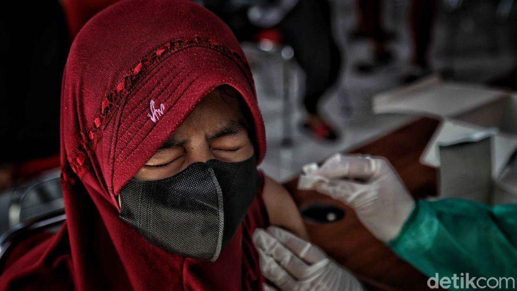 Vaksinasi Massal di Ibu Kota Sasar Anak Usia 12-17 Tahun