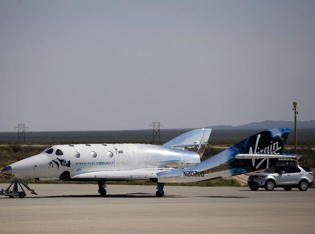 Penerbangan Richard Branson ke Antariksa Diselidiki Karena Ngepot
