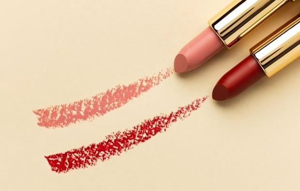 Warna Lipstick | Foto : freepik.com/freepik