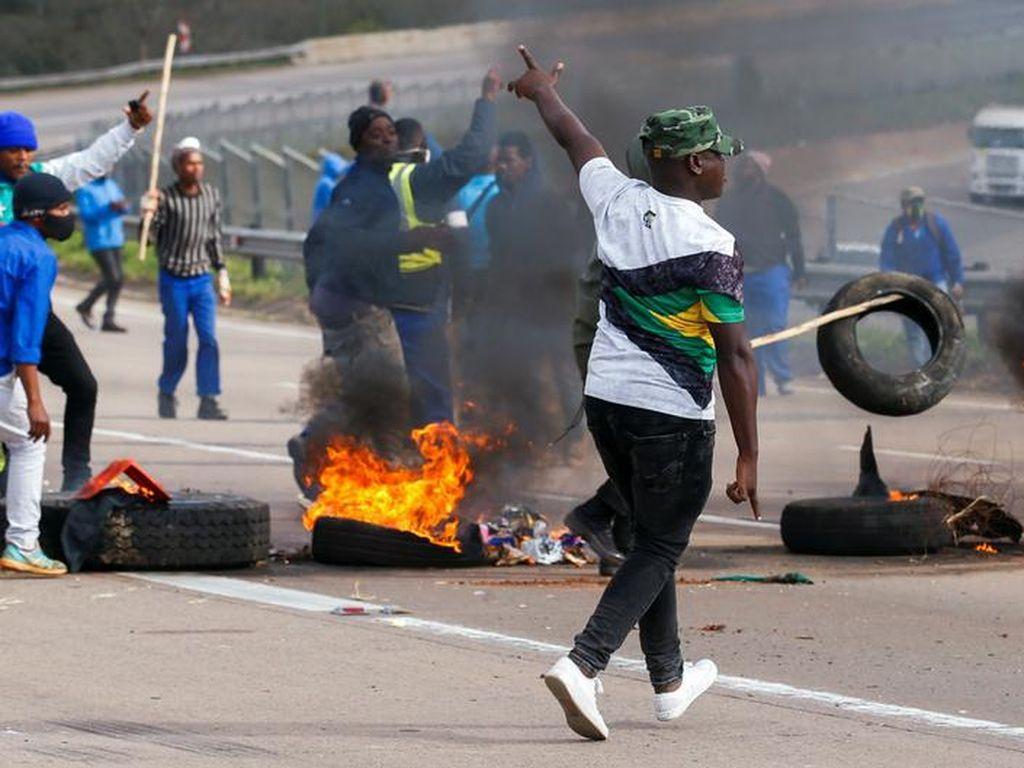 72 Orang Tewas dalam Kerusuhan Mematikan di Afrika Selatan