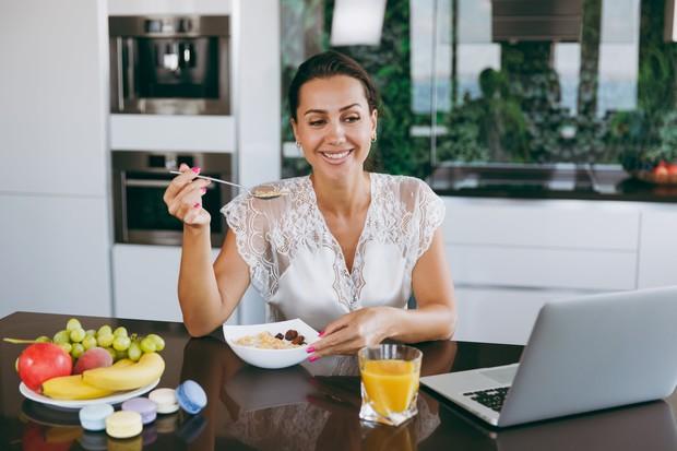 Cara menghilangkan jerawat dengan makanan sehat