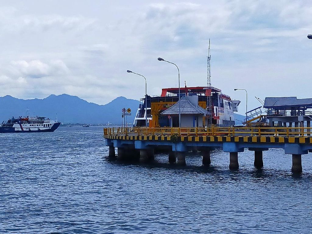 Kemenhub Batasi Jam Penyeberangan Jawa-Bali Bagi Kendaraan Non Logistik