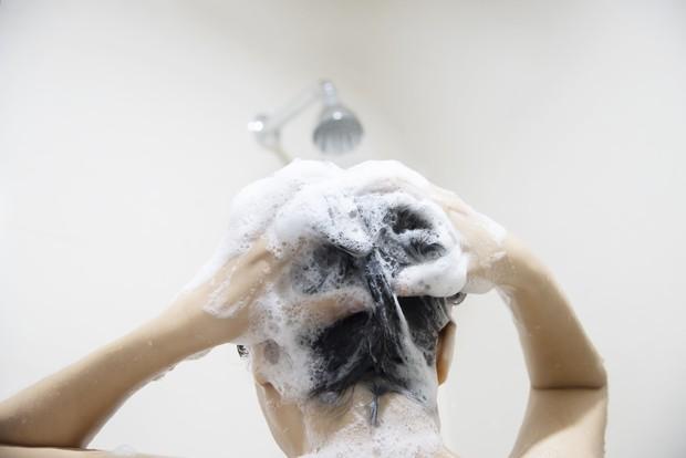 Perawatan model rambut wanita yang salah
