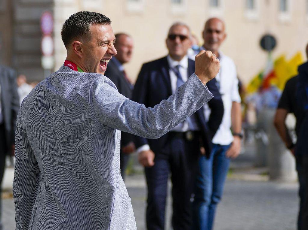 Bernardeschi Nikah Usai Juara Euro 2020, eh Telat Datang 40 Menit