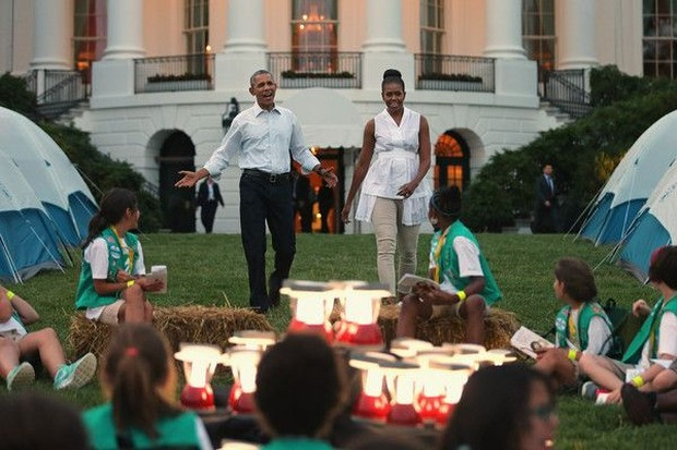 Barack Obama dan Michelle Obama saat pertama kali mengadakan acara White House Campout.