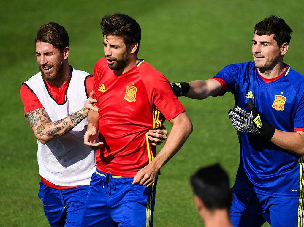 Balasan Menohok Pique atas Ledekan Casillas, Bawa-bawa Florentino Perez