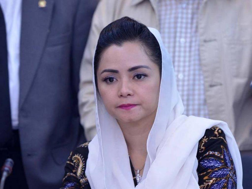 Nakes-Keluarganya Rawan, Legislator Novita Minta Pemerintah Beri Perlindungan