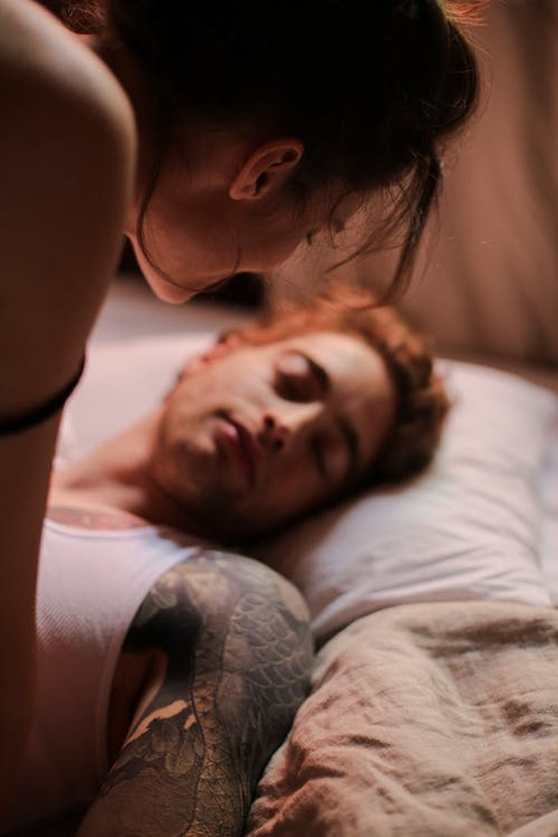 Pada beberapa orang, kedua jenis sakit kepala ini dapat terjadi secara bersamaan. Selain itu, kebanyakan sakit kepala seks berlangsung setidaknya beberapa menit.
