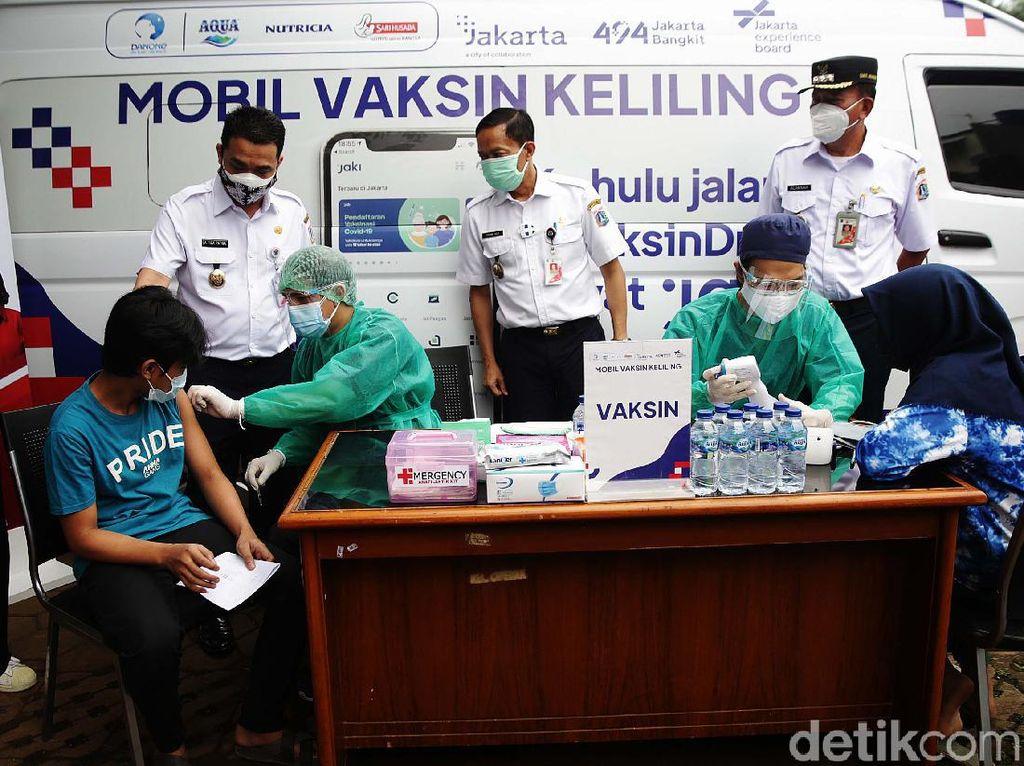 Mobil Vaksin Keliling Sasar 1.000 Warga Jakarta