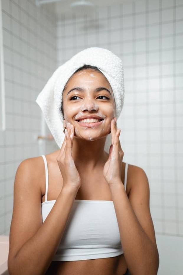 Pembersih wajah foam cleanser