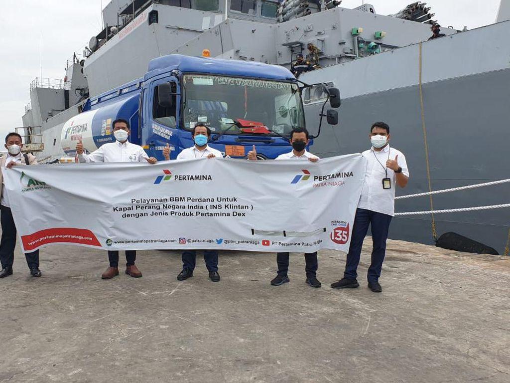 Pertamina Layani BBM Perdana Kapal Perang Angkatan Laut India di Sumut