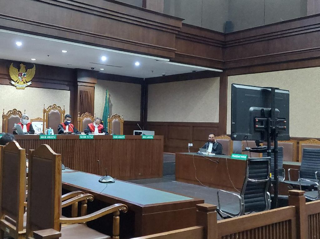 Pertimbangan Hakim Vonis Rohadi PNS Tajir 3,5 Tahun Penjara
