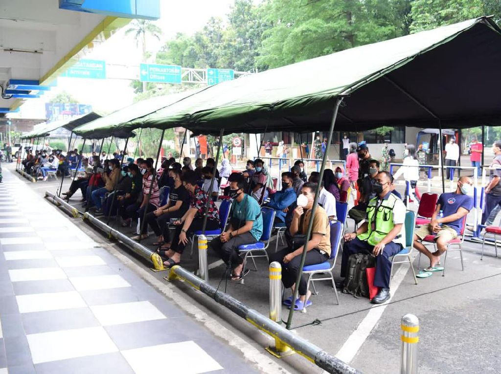 Usai Bandara Soetta, TNI AU Gelar Vaksinasi Massal di Halim Perdanakusuma