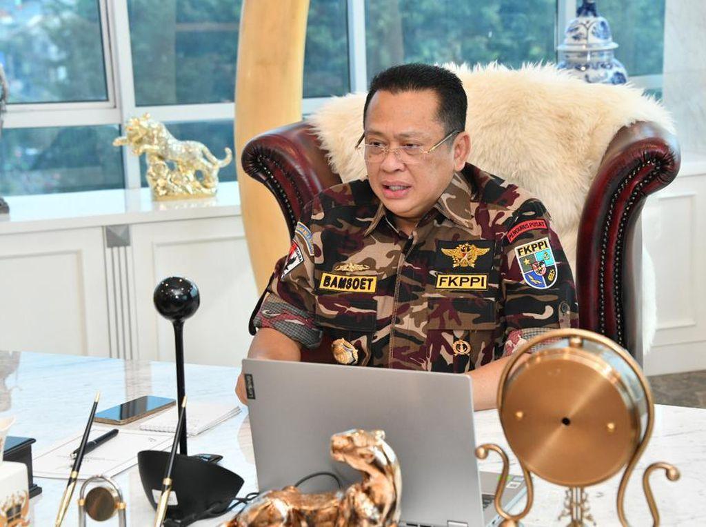 Pesan Bamsoet ke Pemda & TNI/Polri: Warung Tidak Boleh Ditutup Begitu Saja
