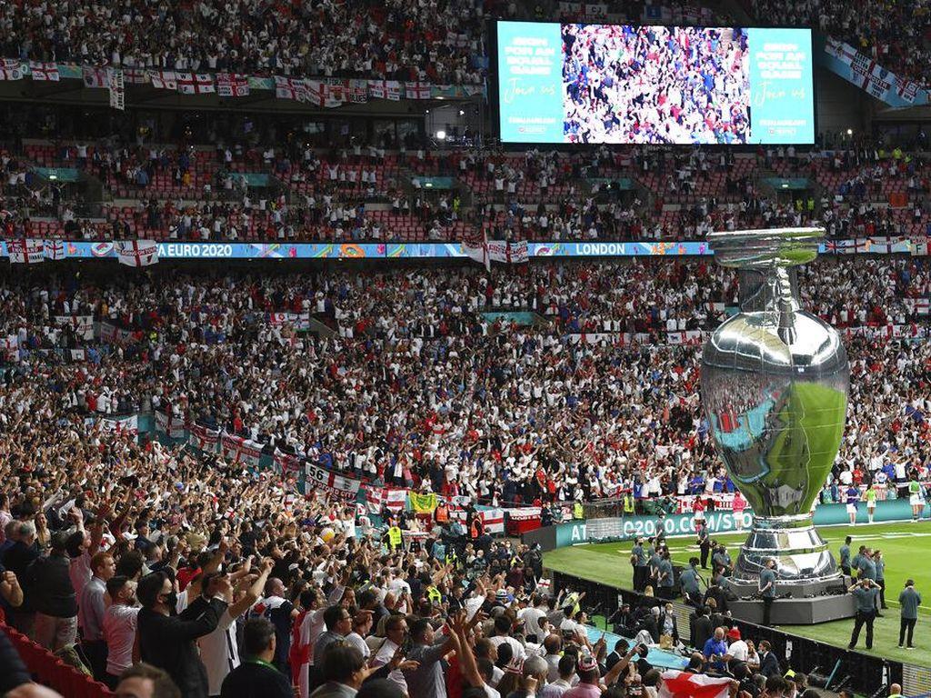 Salam Tempel Rp 4 Juta, Tiket Masuk Fans Ilegal di Final Euro 2020