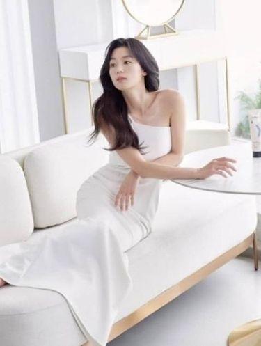 Jun Ji Hyun saat pemotretan botalab Suamel (foto: instagram.com/im_smilehero)