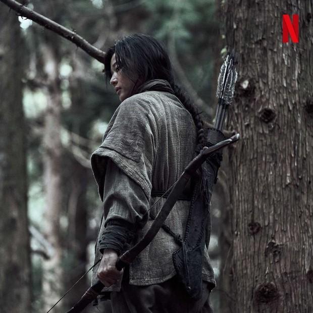 Jun Ji Hyun sebagai Ashin/ Foto : instagram.com/netflixkr/