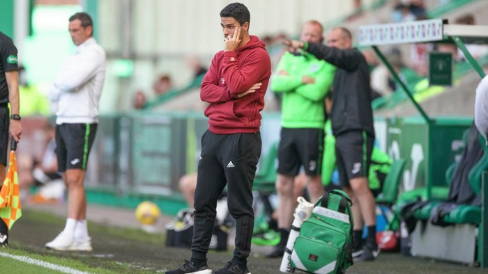EDINBURGH, SCOTLAND - JULY 13: Mikel Arteta manager of Arsenal looks on during the pre season friendly between Hibernian and Arsenal at Easter Road on July 13, 2021 in Edinburgh, Scotland. (Photo by Steve  Welsh/Getty Images)