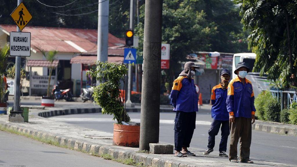Nasib Porter Kampung Rambutan Merana Saat PPKM Darurat