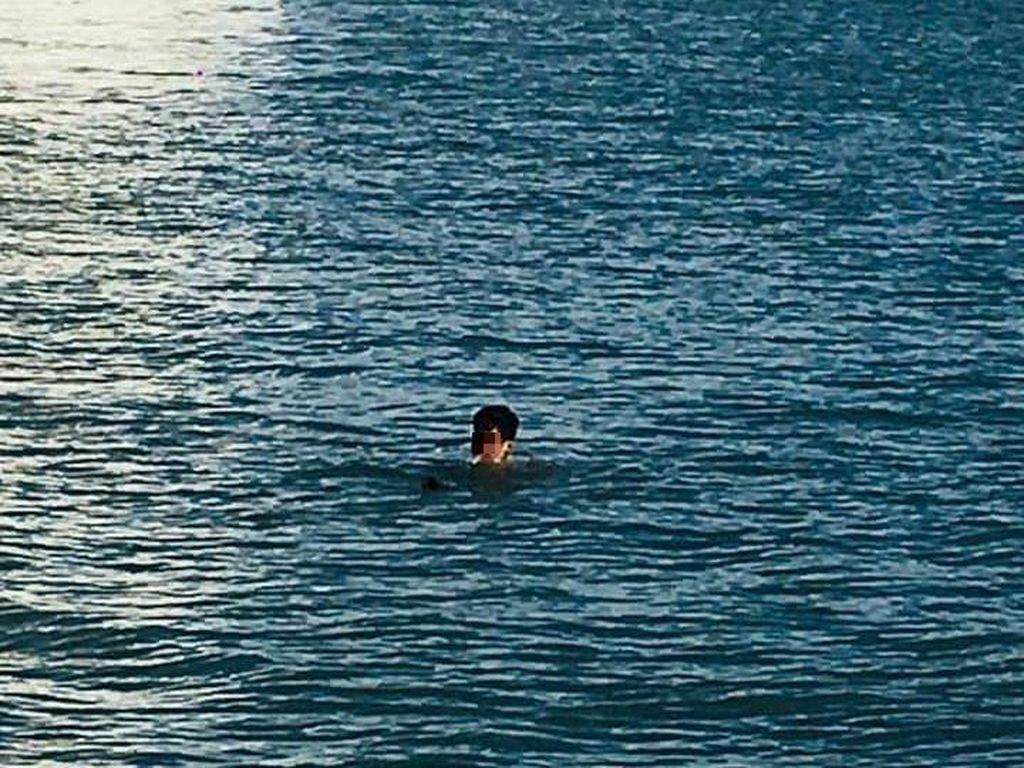 Langgar Lockdown, Pria Nekat Berenang Lintasi Laut Lepas Demi Bertemu Teman