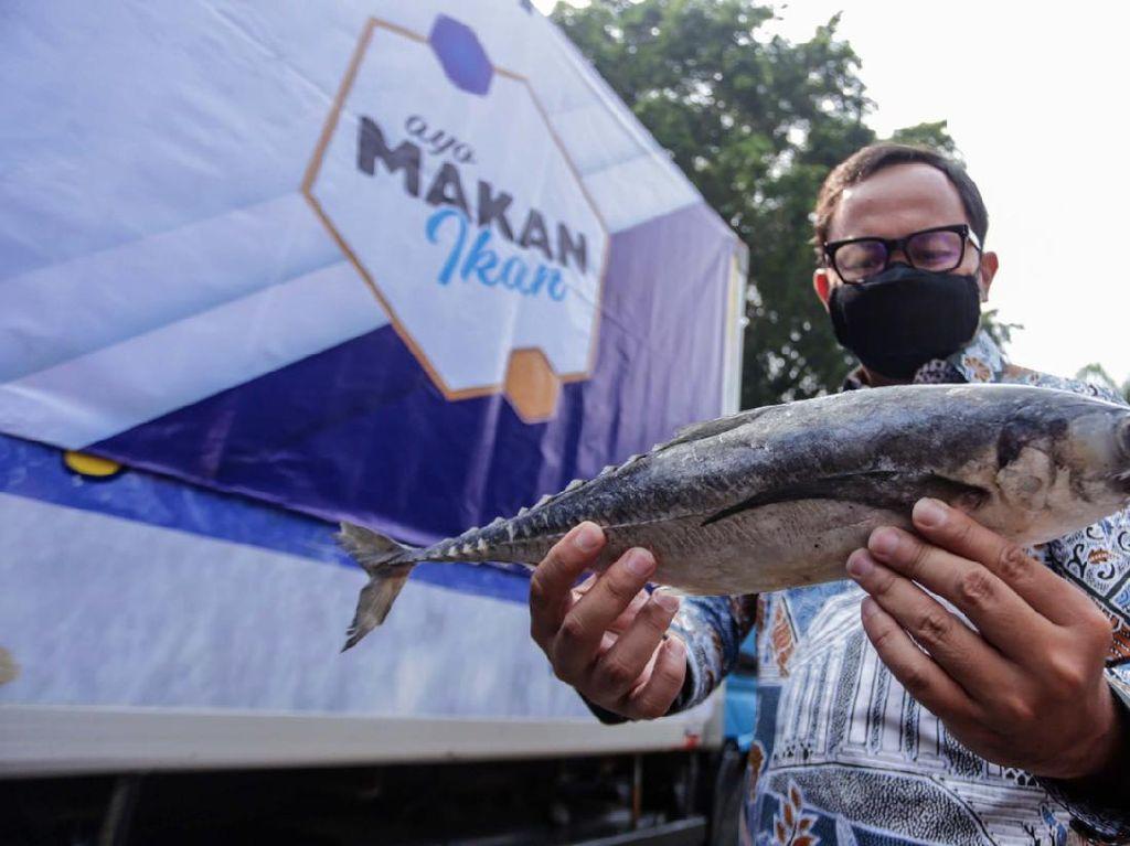 Warga Bogor yang Isoman Dapat Bantuan 1 Ton Ikan & 4.000 Olahan Ikan