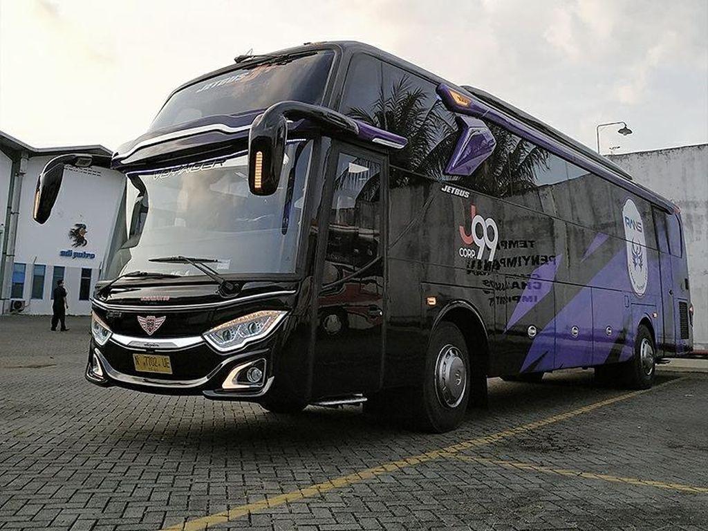 Potret Bus Official Rans Cilegon FC, Pakai Sasis Mercy Dibalut Bodi Adiputro