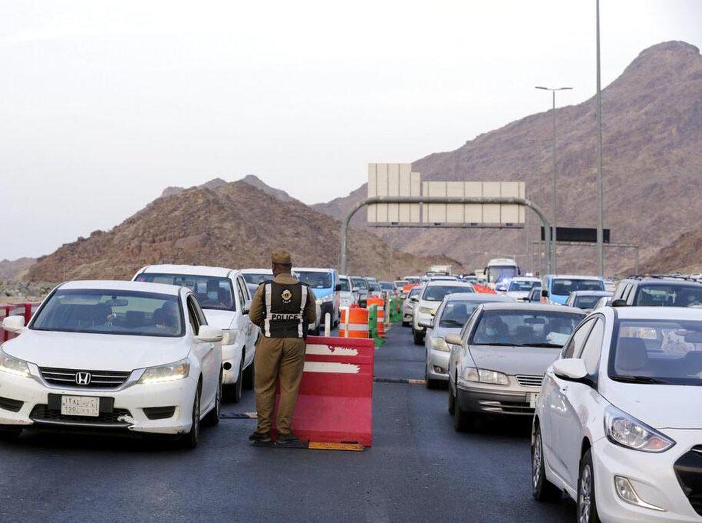 Haji di Tengah Pandemi: Arab Saudi Pakai 2.500 Bus, Tak Ada Mobil Pribadi dan Pejalan Kaki
