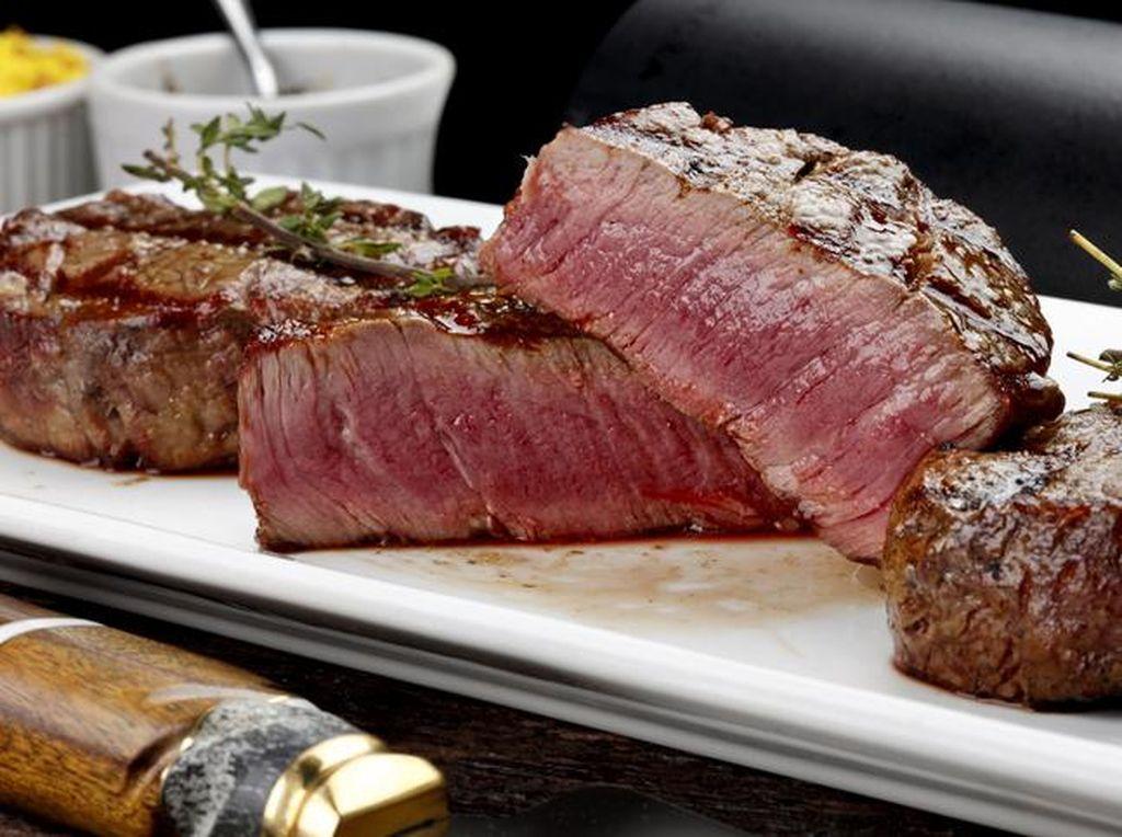 Mau Bikin Steak dari Daging Kurban? Ikuti Tips Dims The Meat Guy