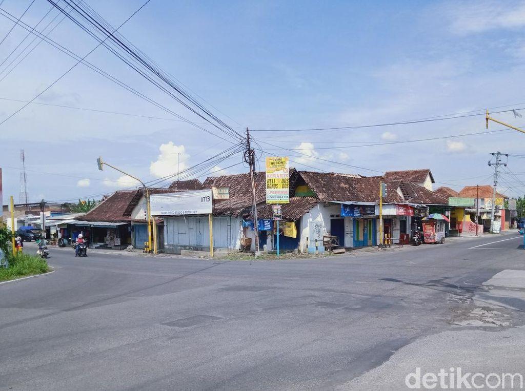 18 Ruas Jalan di Klaten Disekat, Termasuk Jalur Truk Angkut Galian C