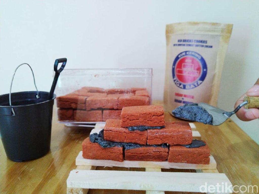 Susah Waras : Nyam! Empuk Legit Batu Bata Dioles Semen
