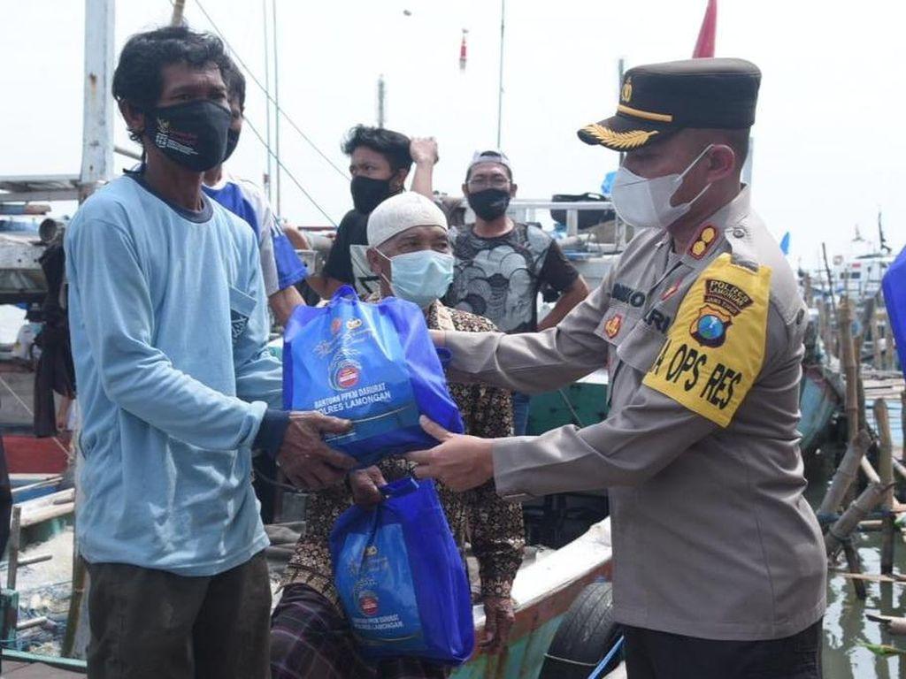 Nelayan Terdampak Pandemi COVID-19 Digelontor Bantuan Sembako