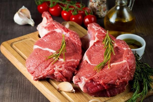 Marinasi merupakan proses membui daging yang dapat dilakukan dengan garam, lemon, atau cuka.